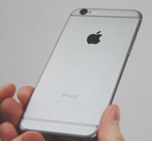 айфон 6 в руке
